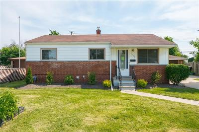 St Clair Shores, Roseville, Fraser, Clinton Twp, Harrison Twp Single Family Home For Sale: 15320 Frazho Road