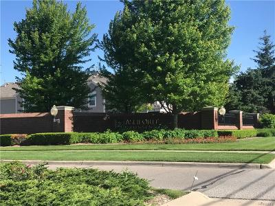 Shelby Twp Condo/Townhouse For Sale: 48405 Commonview Drive
