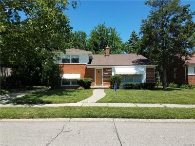 Oak Park Single Family Home For Sale: 14490 Park
