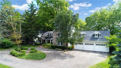 Orchard Lake Single Family Home For Sale: 2835 Orchard Place