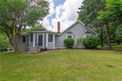 City Of The Vlg Of Clarkston, Clarkston, Independence, Independence Twp Single Family Home For Sale: 9981 Ortonville Road