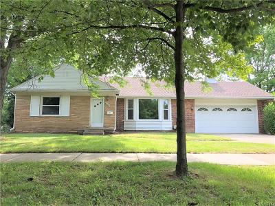 Royal Oak Single Family Home For Sale: 4008 Hillside Drive