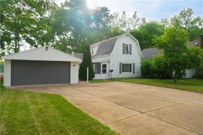Shelby Twp, Utica, Sterling Heights Single Family Home For Sale: 45241 Brownell Street