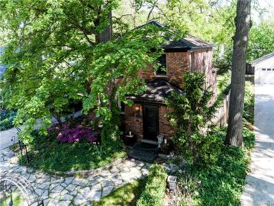 Pleasant Ridge Single Family Home For Sale: 59 Devonshire Road