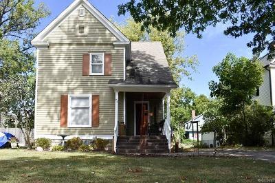 Pontiac Single Family Home For Sale: 74 Mary Day Avenue