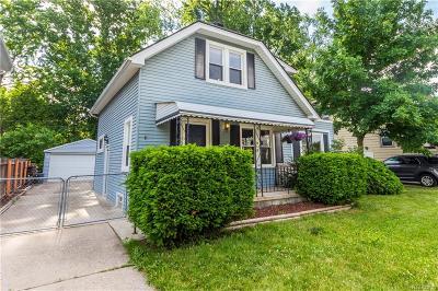 Royal Oak Single Family Home For Sale: 1027 Batavia Avenue