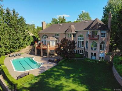 Oakland County Single Family Home For Sale: 1224 Hidden Lake Drive
