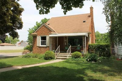 Dearborn MI Single Family Home For Sale: $153,000