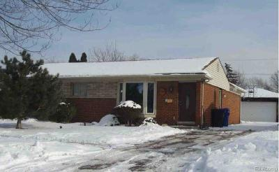 St Clair Shores, Roseville, Fraser, Clinton Twp, Harrison Twp Single Family Home For Sale: 33758 Nokomis