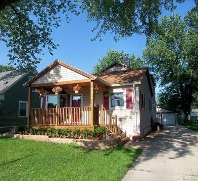 Royal Oak Single Family Home For Sale: 4015 Edgar Avenue