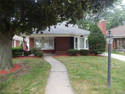 Dearborn Heights Single Family Home For Sale: 5726 Burger Street