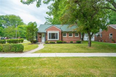 Oakland County, Macomb County, Wayne County Single Family Home For Sale: 20407 Olympia