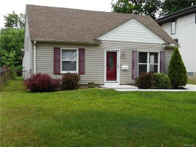 Ferndale,  Royal Oak, Berkley Single Family Home For Sale: 707 Parkdale Avenue
