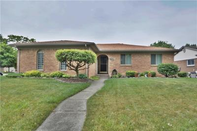 Macomb Twp Single Family Home For Sale: 15390 Valerie Drive