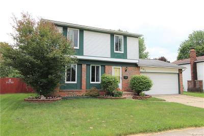 Oakland County, Macomb County, Wayne County Single Family Home For Sale: 281 Surrey Heights