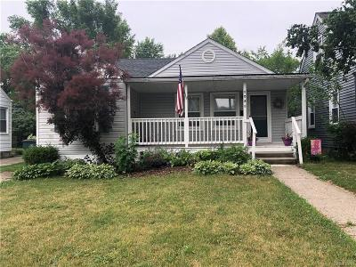 Oakland County Single Family Home For Sale: 1035 Pearson Street