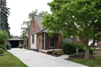 Oakland County, Macomb County, Wayne County Single Family Home For Sale: 24784 Woodcroft Drive