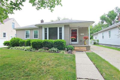 Royal Oak Single Family Home For Sale: 1824 Harwood Avenue