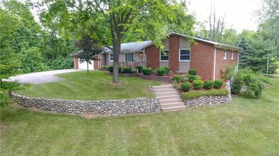 City Of The Vlg Of Clarkston, Clarkston, Independence Twp Single Family Home For Sale: 6805 Oak Hill