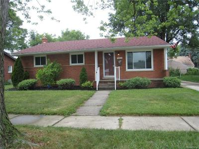 Livonia Single Family Home For Sale: 9815 Denne Street