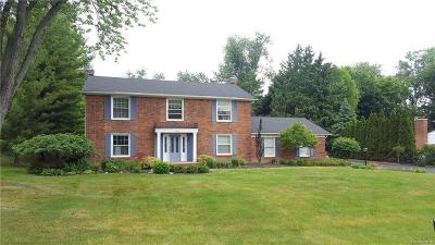 Bloomfield Twp MI Single Family Home For Sale: $449,900