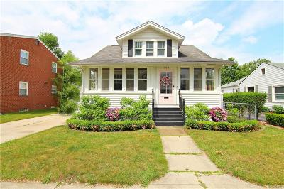 Single Family Home For Sale: 768 Virginia Street