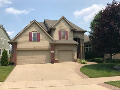 Commerce Twp Single Family Home For Sale: 6050 Balmoral Way
