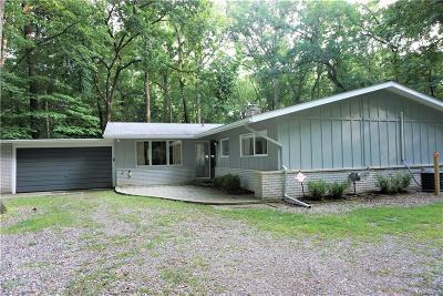 Rochester Hills Single Family Home For Sale: 1157 Cripple Creek Lane