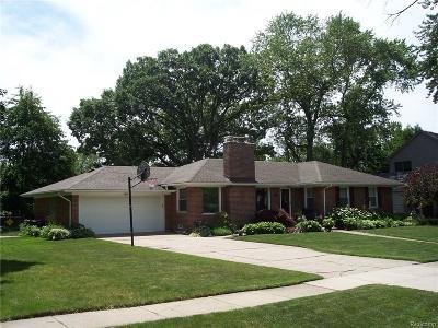 Beverly Hills Vlg Single Family Home For Sale: 32340 Arlington Street