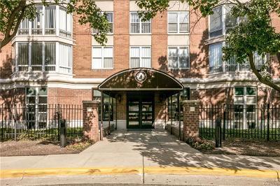 Detroit Condo/Townhouse For Sale: 250 E Harbortown Drive #501