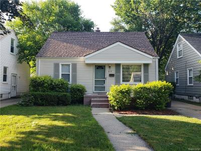 Royal Oak Single Family Home For Sale: 1613 Whitcomb Avenue