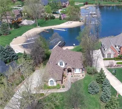 Highland Twp MI Single Family Home For Sale: $729,000