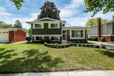 Clawson Single Family Home For Sale: 730 Langley Boulevard