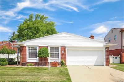 Dearborn Heights Single Family Home Contingent - Continue To Show: 27164 Timber Trail