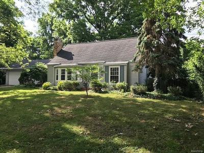 Brighton Single Family Home For Sale: 128 Becker Drive