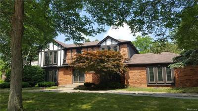 Farmington Hills Single Family Home For Sale: 36600 Almond Circle