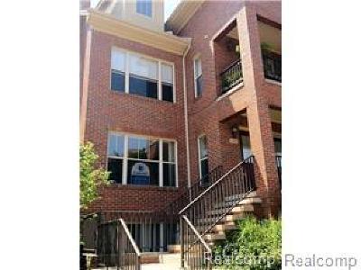 Royal Oak Condo/Townhouse For Sale: 127 Allenhurst Avenue #59