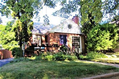 Pontiac Single Family Home For Sale: 88 Oriole Road