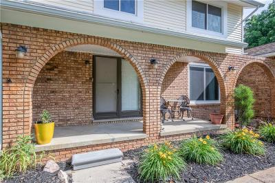 Commerce Twp Single Family Home For Sale: 2132 Jason Drive