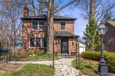 Pleasant Ridge Single Family Home For Sale: 59 Devonshire Road