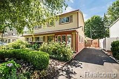 Royal Oak Single Family Home For Sale: 624 Detroit Avenue