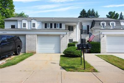 Rochester Hills Condo/Townhouse For Sale: 95 Manor Way