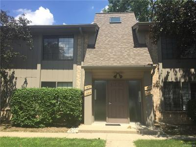 Rochester Hills Condo/Townhouse For Sale: 1851 Meadow Dale Court
