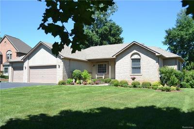 Commerce Twp Single Family Home For Sale: 5370 Inverrary Lane