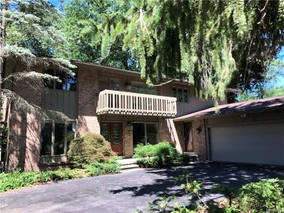 Dearborn Heights Single Family Home For Sale: 567 N Gulley Road