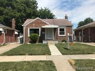 Lincoln Park Single Family Home For Sale: 4167 Howard Street