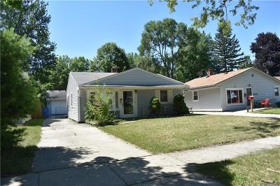 Dearborn Heights Single Family Home For Sale: 25275 Stanford Street