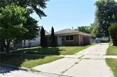 Dearborn Heights Single Family Home For Sale: 26319 McDonald Street