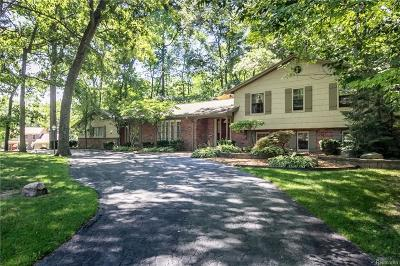 Bloomfield Twp Single Family Home For Sale: 494 Whippers In Court