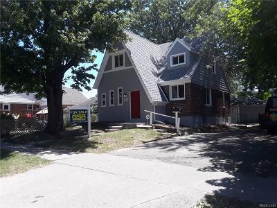 Hazel Park Multi Family Home For Sale: 586 E George Avenue
